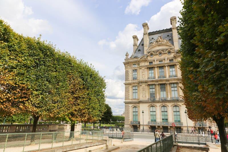 Edificio histórico en París fotografía de archivo libre de regalías