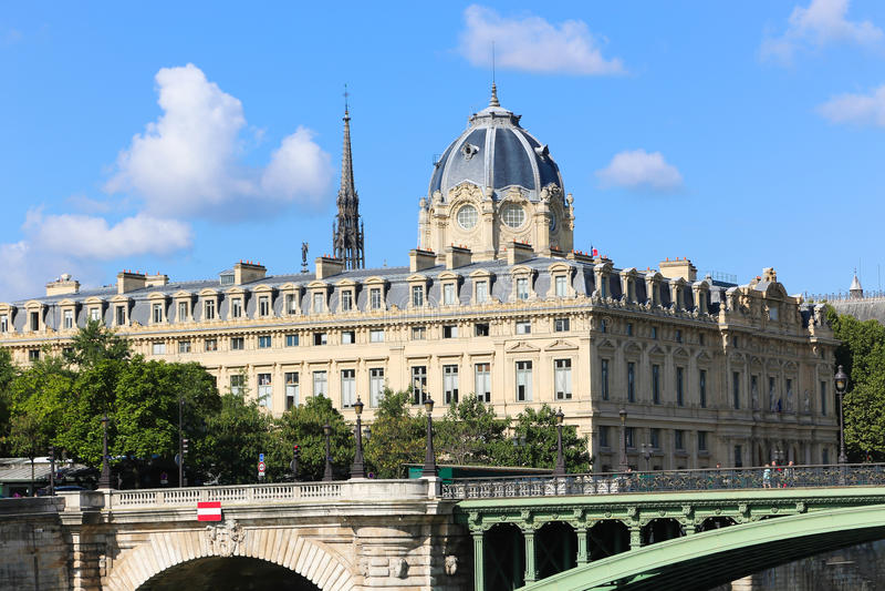 Edificio histórico en París fotos de archivo