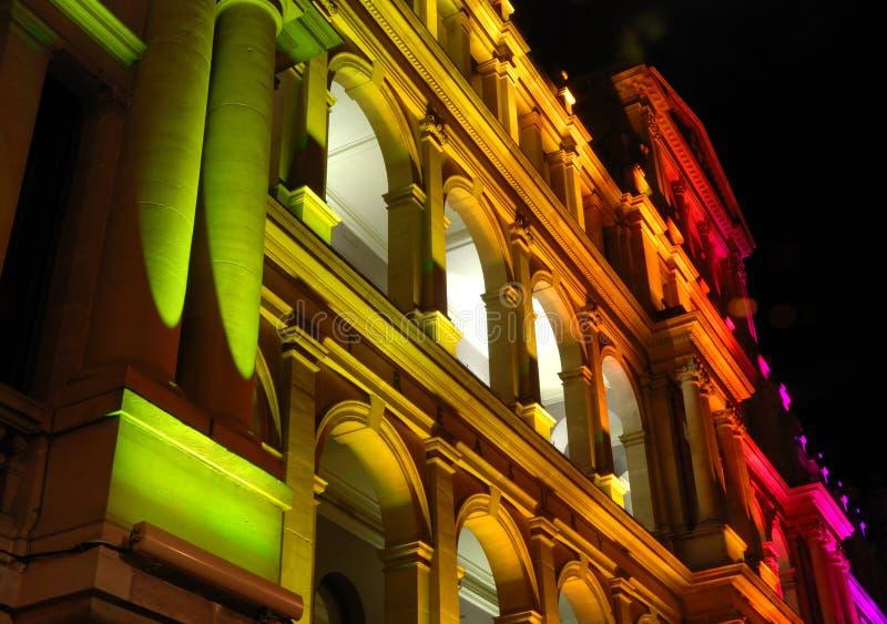 Edificio iluminado del Hacienda fotografía de archivo