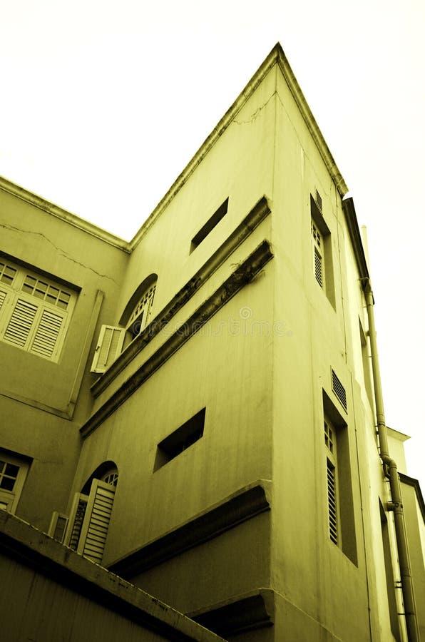 Edificio impar de la dimensión de una variable foto de archivo