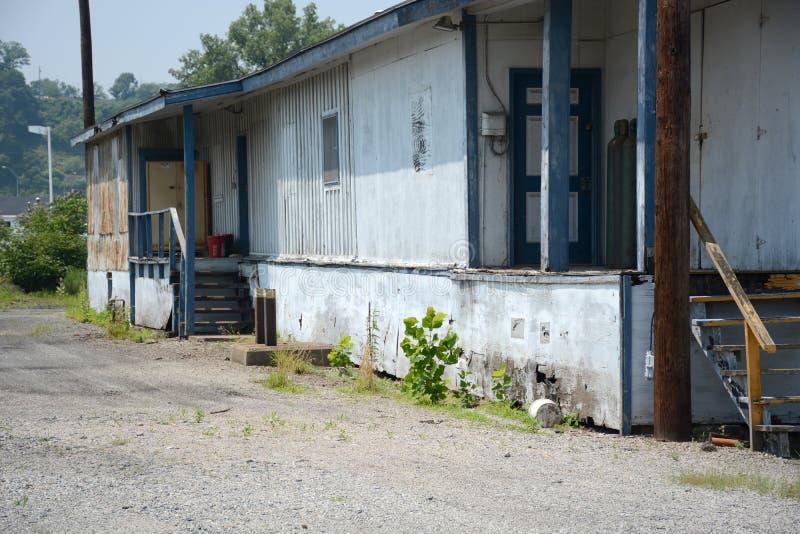 Edificio industrial viejo imagenes de archivo