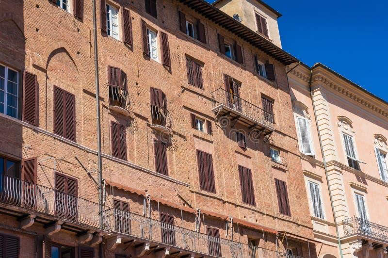 Edificio medieval del brcik rojo en Piazza del Campo en Siena, Italia imagen de archivo libre de regalías