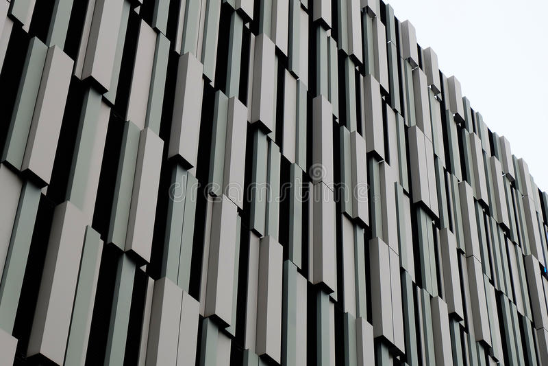 Edificio moderno del metal de Brown imagen de archivo