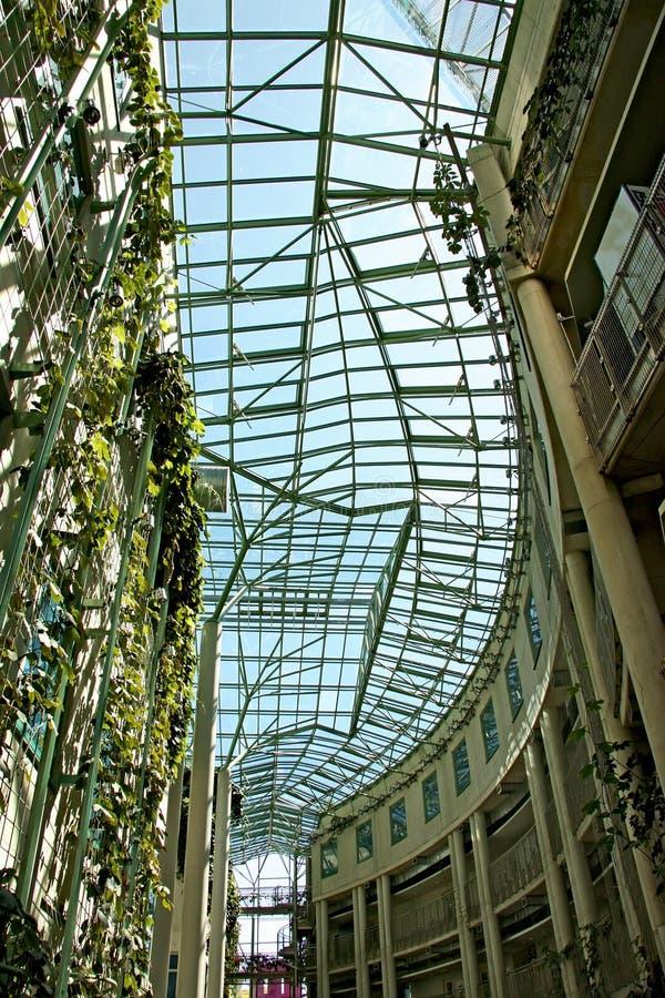 Edificio moderno ecológico foto de archivo