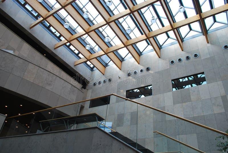 Edificio moderno interior imagen de archivo libre de regalías