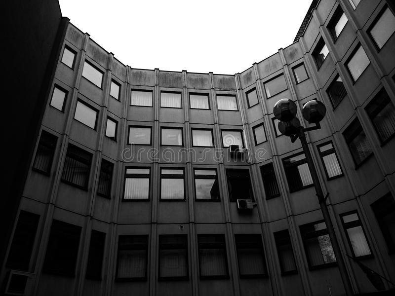 Edificio negro fotos de archivo