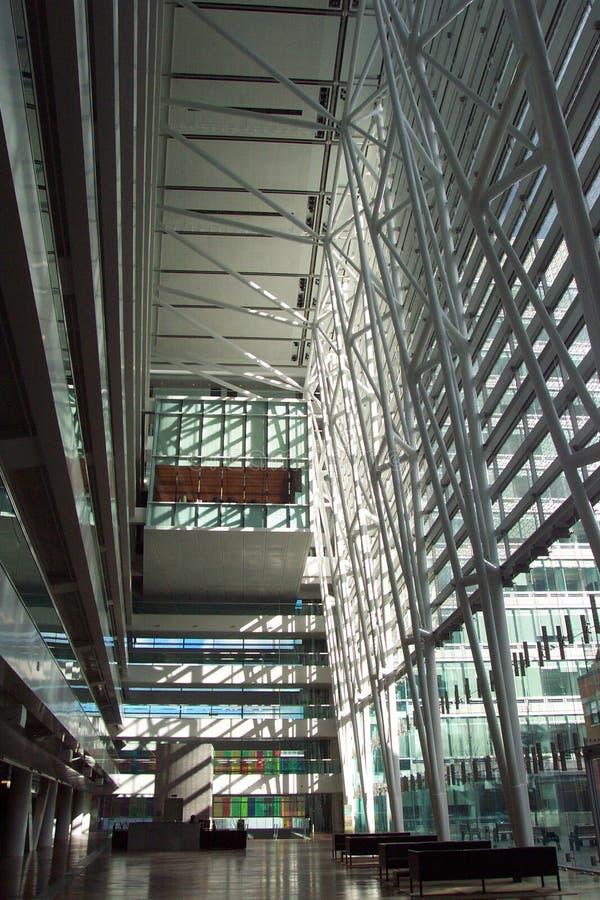 Edificio per uffici contemporaneo - Corridoio fotografie stock