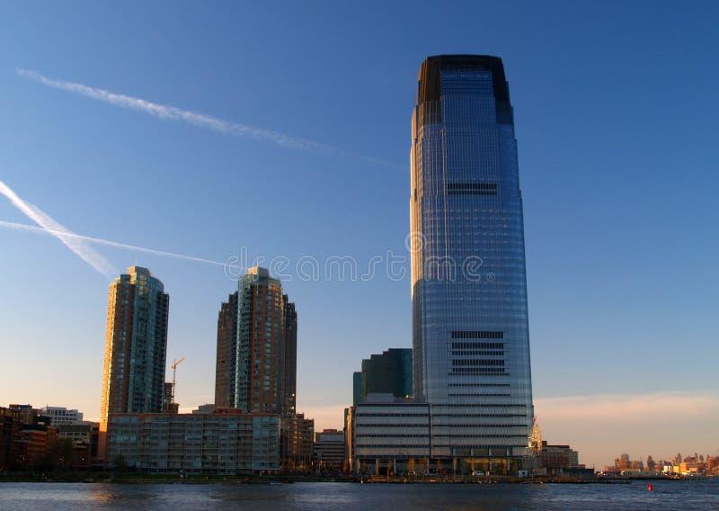 Edificio per uffici di palazzo multipiano fotografie stock