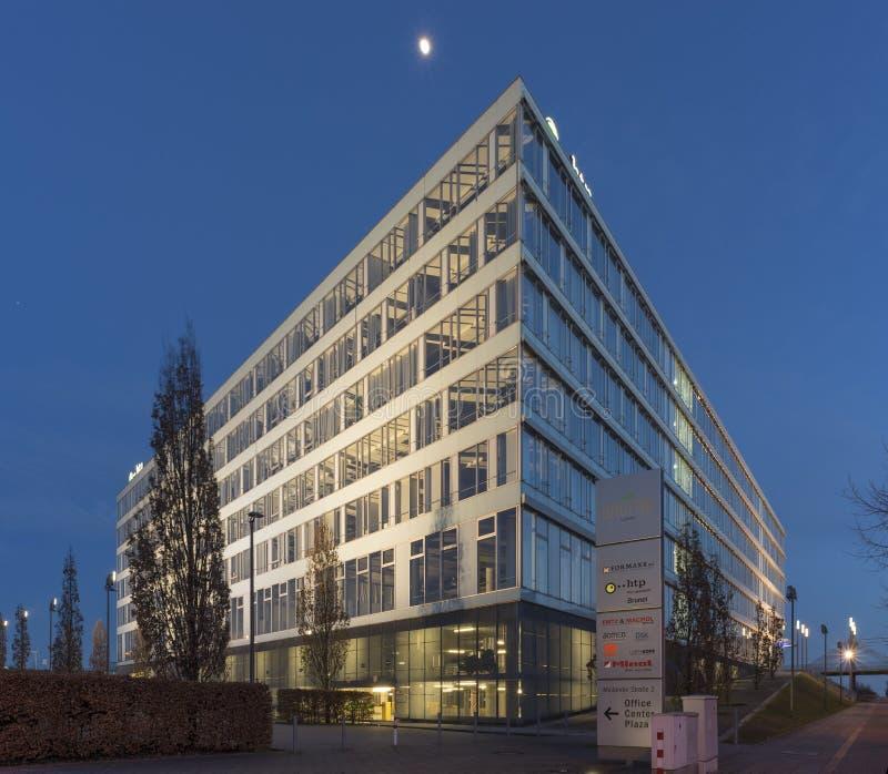 Edificio per uffici a Hannover sulla plaza dell'Expo immagini stock libere da diritti