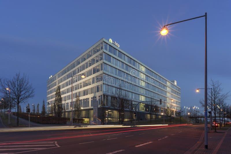 Edificio per uffici a Hannover sulla plaza dell'Expo immagini stock
