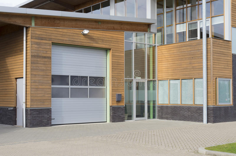 Edificio per uffici moderno fotografia stock libera da diritti