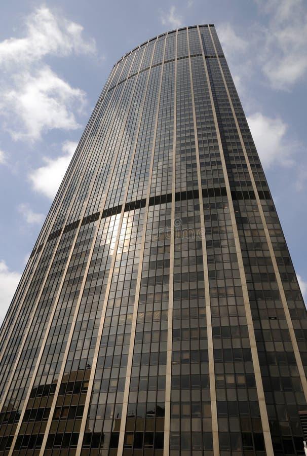 Edificio per uffici moderno di Monpanasse a Parigi immagini stock libere da diritti