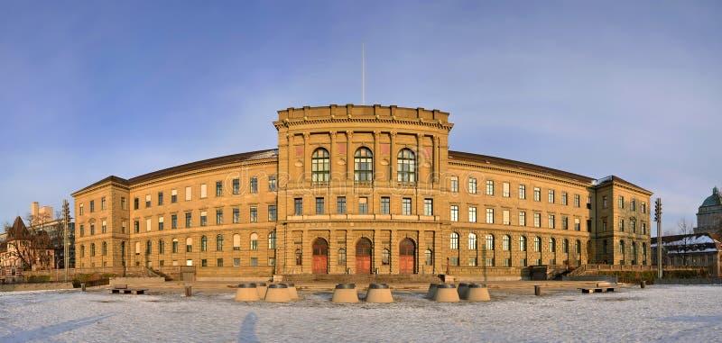 Edificio principal del Instituto de Tecnología federal suizo fotos de archivo libres de regalías