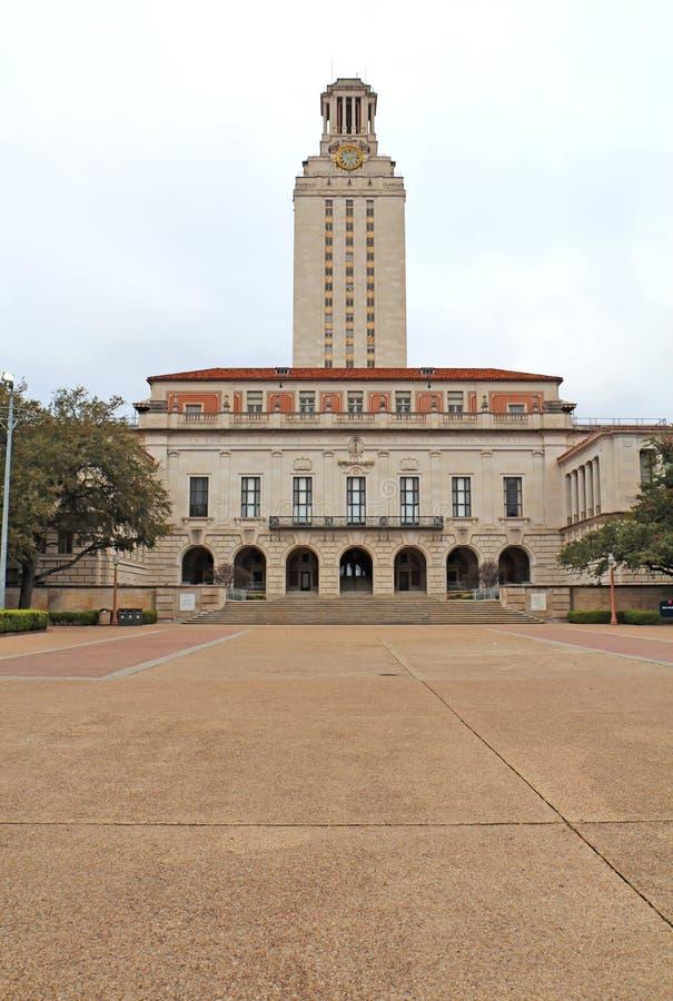 Edificio principal en la Universidad de Texas en el campus de Austin vertic fotografía de archivo libre de regalías
