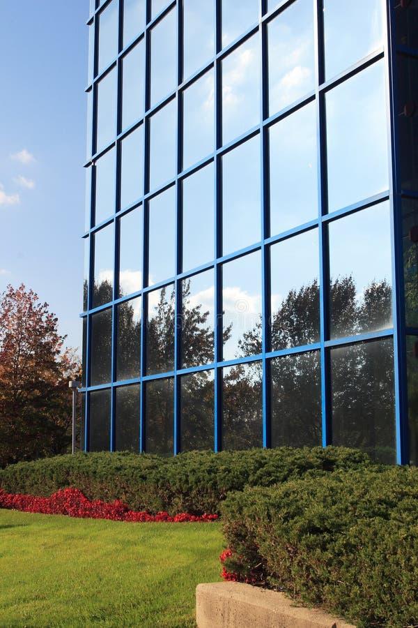 Edificio reflexivo foto de archivo libre de regalías