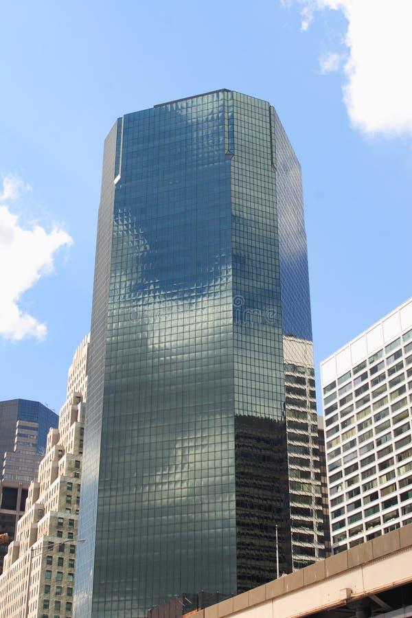 Edificio reflexivo fotografía de archivo libre de regalías