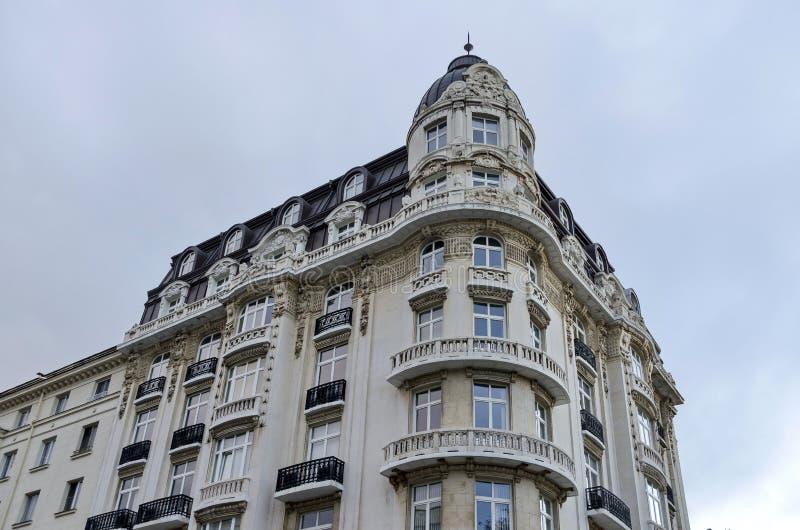 Edificio renovado viejo en la ciudad de Sofía imágenes de archivo libres de regalías
