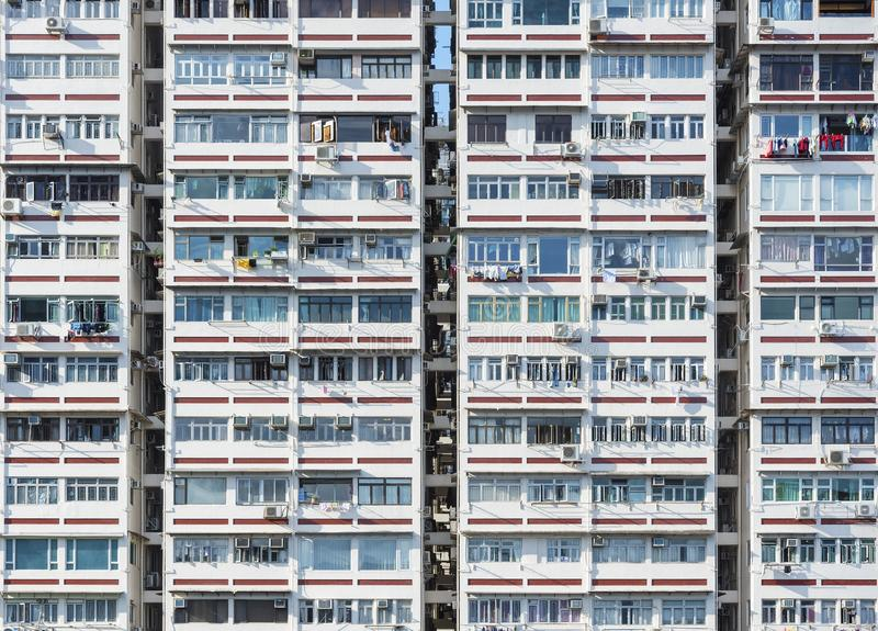 Edificio residencial de la alta subida en la ciudad de Hong Kong fotos de archivo libres de regalías