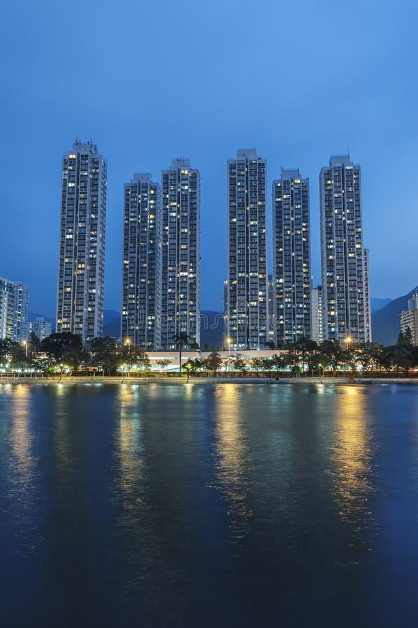 Edificio residencial de la alta subida en la ciudad de Hong Kong fotografía de archivo libre de regalías