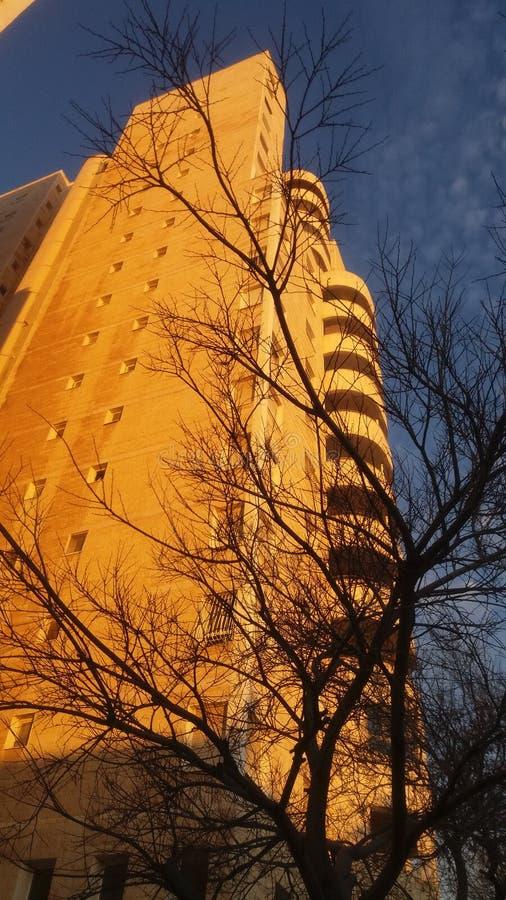 Edificio residencial moderno Ciudad modificada Israel La gente lo llama la Torre de David imagen de archivo