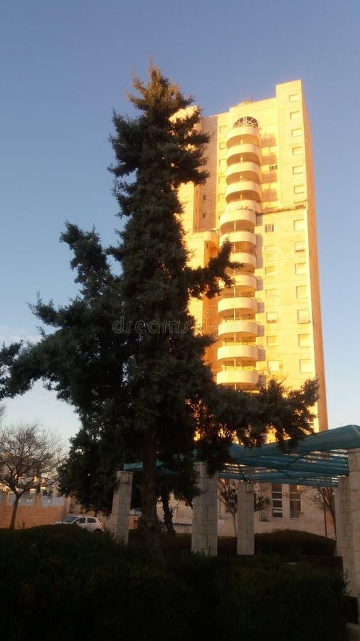 Edificio residencial moderno Ciudad modificada Israel La gente lo llama la Torre de David fotos de archivo