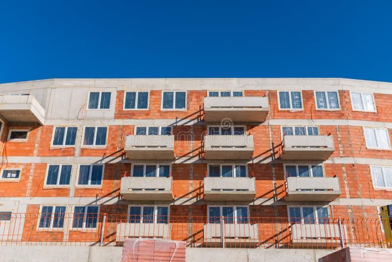 Edificio residenziale moderno in costruzione fotografia stock libera da diritti