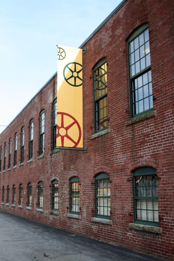Edificio rojo del molino imagen de archivo libre de regalías
