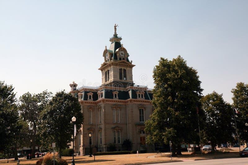 Edificio sobre la base del capitolio del estado de Missouri imagen de archivo libre de regalías