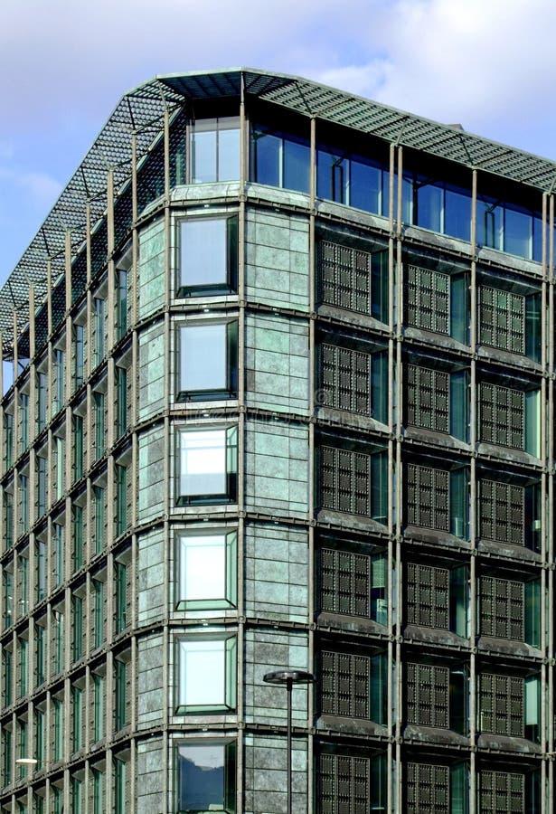 Edificio solar fotos de archivo