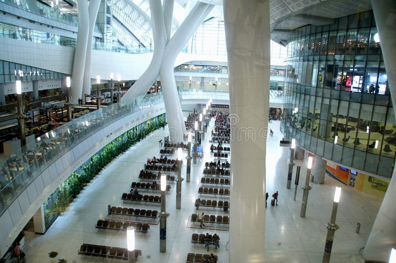 Edificio, t?rmino del oeste de Hong Kong High Speed Rail Kowloon imagenes de archivo