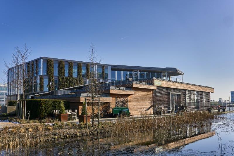 Edificio verde sostenible fotos de archivo