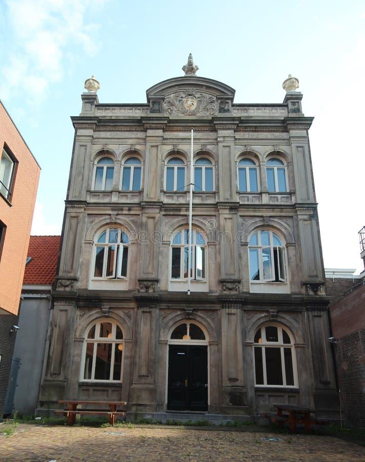 Edificio viejo de una de las primeras escuelas más altas del educaion en La Haya en el Bleijenburg en Den Haag, los Países Bajos imagen de archivo libre de regalías