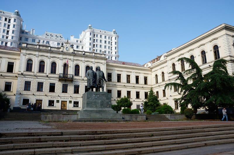 Edificio viejo del parlamento en el bulevar de Rustaveli, Tbilisi fotos de archivo