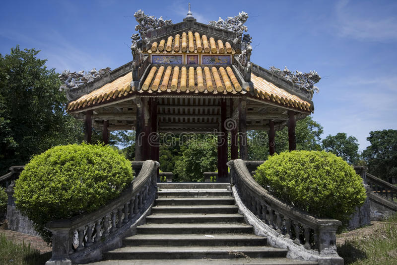 Edificio viejo en tonalidad en Vietnam foto de archivo libre de regalías
