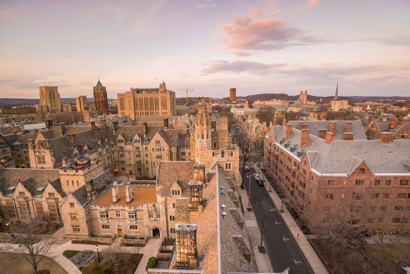 Edificio y campus de Universidad de Yale históricos imagen de archivo libre de regalías