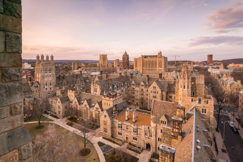 Edificio y campus de Universidad de Yale históricos imagenes de archivo