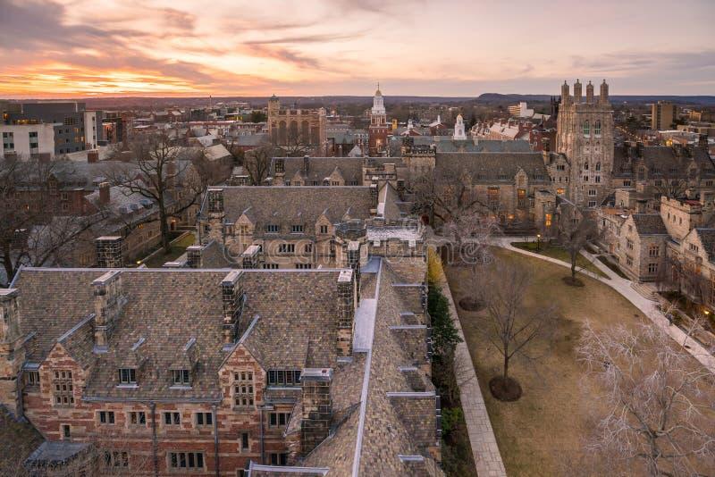 Edificio y campus de Universidad de Yale históricos fotos de archivo