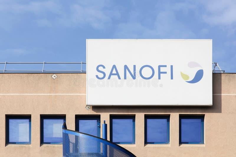 Edificio y oficina de Sanofi fotos de archivo libres de regalías
