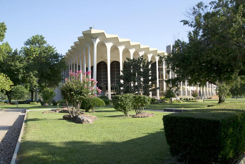 Edificio y paisajes en Roberts University oral imagen de archivo