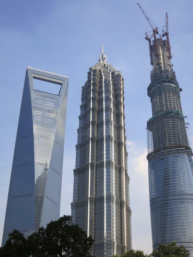 edificios altos en shangai incluyendo el tercer edificio ms alto del mundo foto editorial