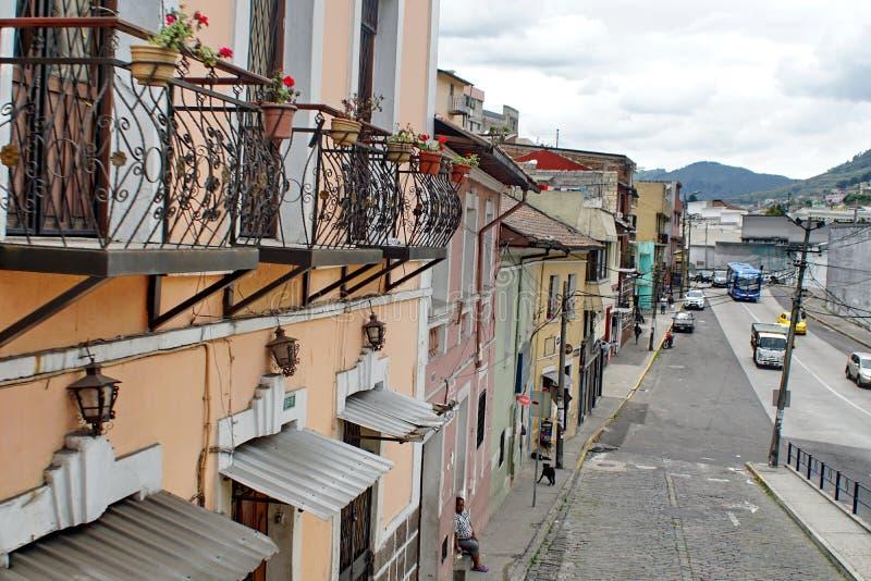 Edificios coloniales en Quito imagenes de archivo