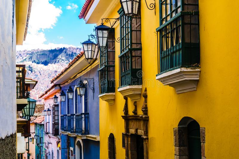 Edificios coloniales por la calle de Jaén en el La Paz Bolivia imagen de archivo libre de regalías