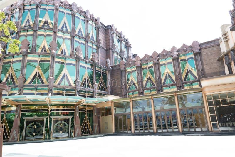 Edificios de acero del annd de cristal del bizzare del Bbabylon-casino con China muy colorida de Asia del casino del hotel de la  imagenes de archivo