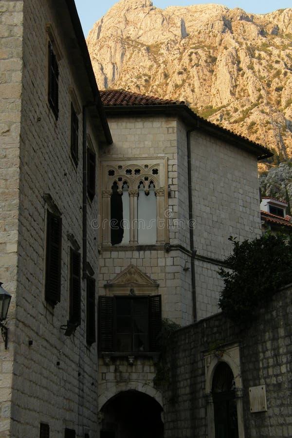 Edificios de Kotor, Montenegro fotografía de archivo libre de regalías