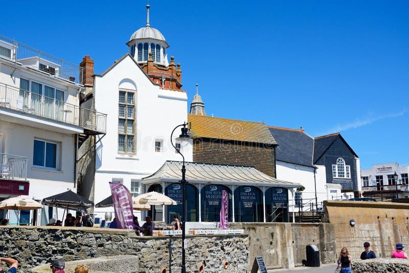Edificios de la costa, Lyme Regis fotos de archivo