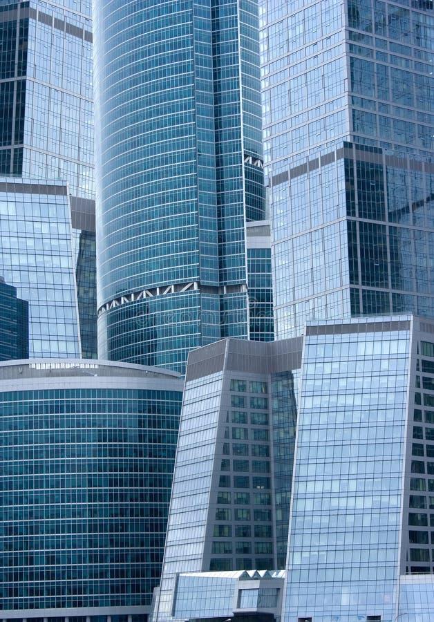 Edificios de oficinas - configuración moderna imagenes de archivo