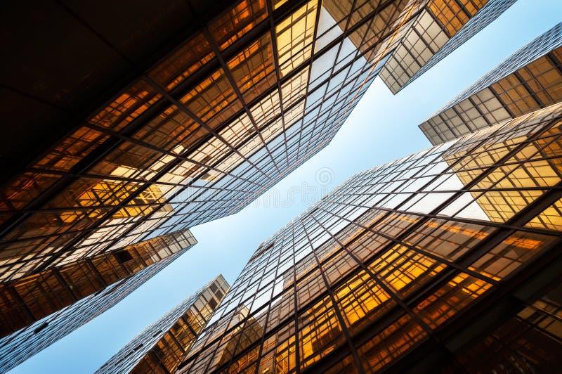 Edificios de oficinas duplicados simétricos, Hong Kong fotografía de archivo