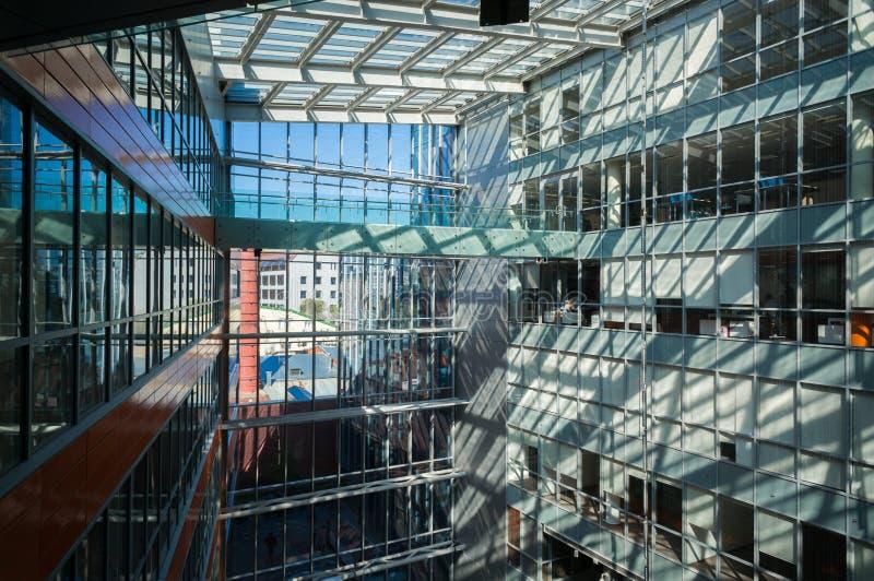 Edificios de oficinas modernos imagen de archivo libre de regalías