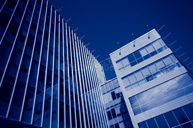 Edificios de oficinas modernos imágenes de archivo libres de regalías