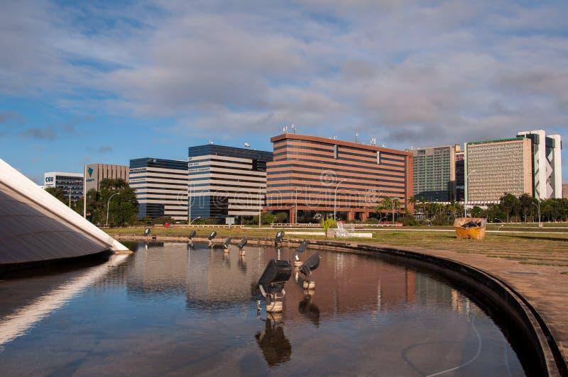 Edificios de oficinas modernos en Brasilia foto de archivo